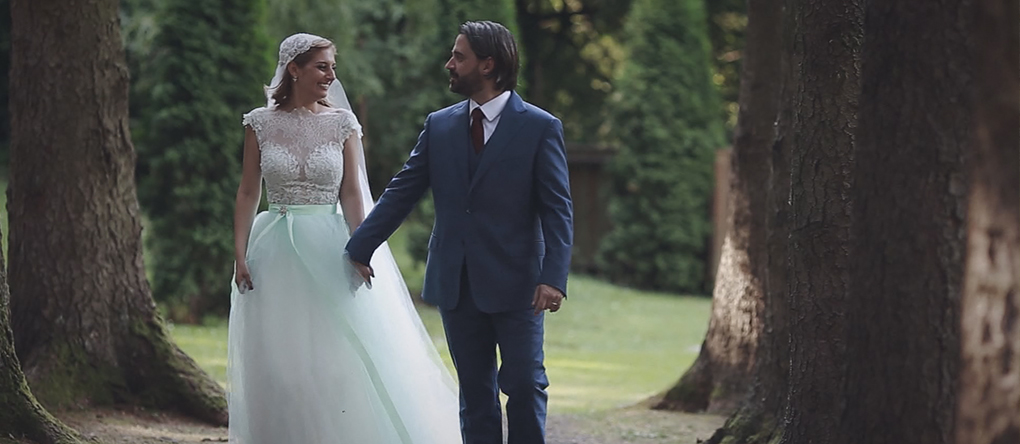 5 érv a színes menyasszonyi ruha mellett